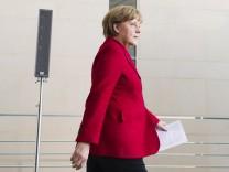 Bundeskanzlerin Merkel entlaesst Umweltminister