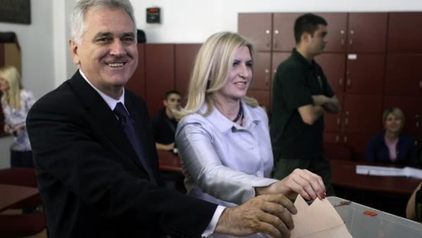Tomislav Nikolic, Dragica Nikolic