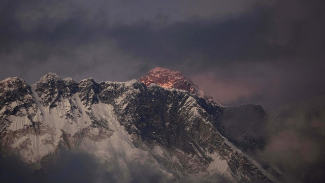Mount Everest Drama auf 8800 Metern Höhe