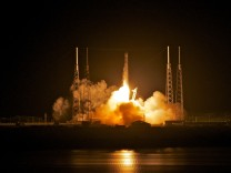 SpaceX Rocket To Become The First Non-Governmental Vehicle To Reach Int'l Space Station