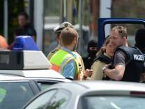 Polizei durchsucht Schule in Memmingen nach bewaffnetem Schueler