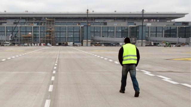 Kosten fuer Terminal am Hauptstadtflughafen verdoppeln sich