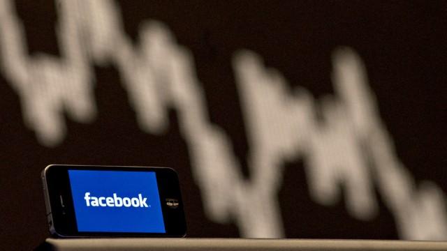 Facebook-Aktie fällt tief