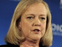 Hewlett-Packard considers cutting some 30,000 jobs