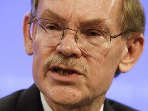 File photo of World Bank President Robert Zoellick speaking at an opening news conference of the spring International Monetary Fund (IMF)-World Bank meetings in Washington