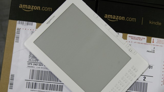 Amazon Begins Shipping New Kindle-DX