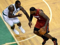 Miami Heat  Lebron James NBA Boston Celtics