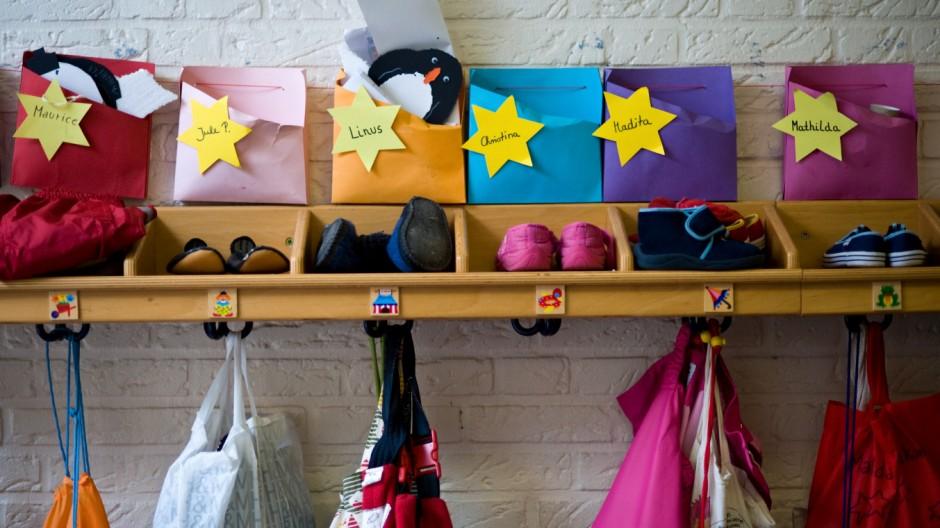 Linke kritisieren Leiharbeit in Kindergaerten