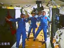 Taikonauten in der Raumstation gelandet