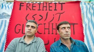 Drohende Abschiebung - Iraner nähen sich Münder zu