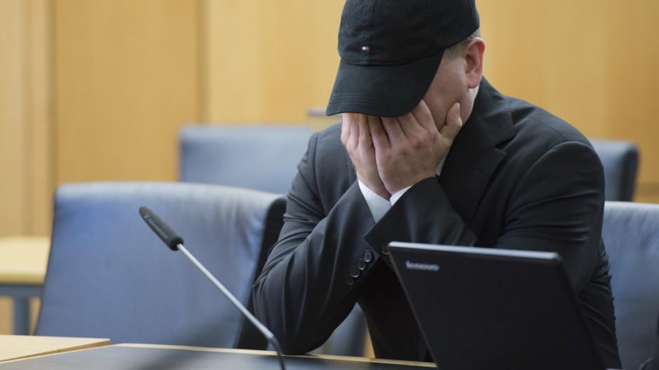 Betreiber von Pädophilen-Plattform muss acht Jahre in Haft