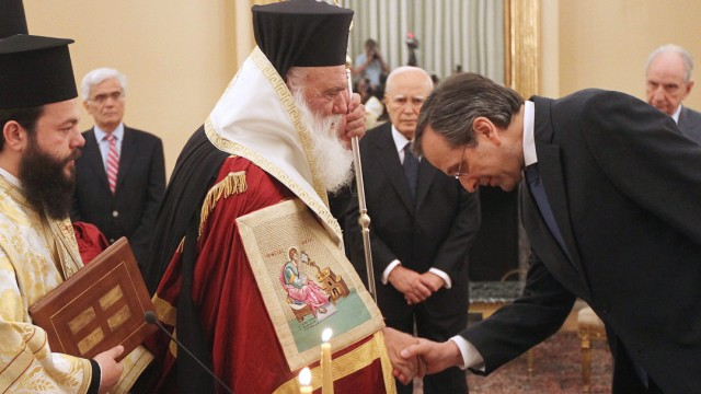 New Democracy (ND) leader Antonis Samaras is sworn-in as the new