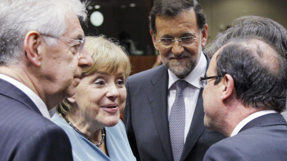 Italy's PM Monti, Germany's Chancellor Merkel, Spain's Prime Minister Rajoy and France's President Hollande attend an informal EU leaders summit in Brussels