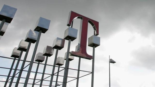 Deutsche Telekom Announces Results for 2005