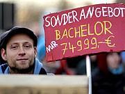 Nicht nur die Studenten protestieren gegen die neuen Bachelor- und Masterstudiengänge. Ein Würzburger Professor hat jetzt gegen das neue Studiensystem geklagt.