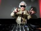 """Ruth Flowers ist """"Mamy Rock"""", die älteste DJane der Welt"""