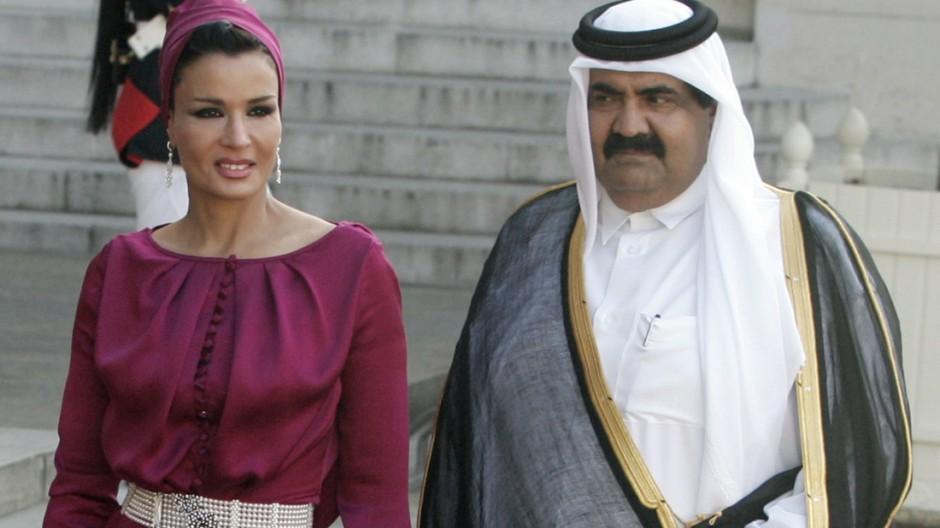 Sheik Hamad Bin Khalifa Al Thani, Sheika Moza Bint Nasser Al Misnad,