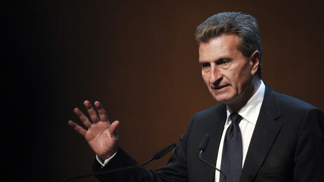 Oettinger warnt vor Vorverurteilung von Mappus in EnBW-Affaere