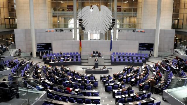 Lammert will Verfassungsrichter-Wahl aendern