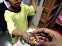 2,5 Millionen Menschen infizierten sich 2011 mit HIV