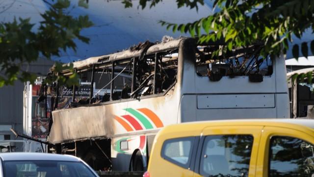 Explosion in bus with Israeli passengers at BulgariaÕs Burgas Ai
