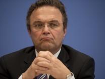 Bundesinnenminister Hans-Peter Friedrich (CSU)  NSU Schreddern