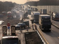 Kein Platz zum Überholen: Gefährliche Enge in Autobahnbaustelle
