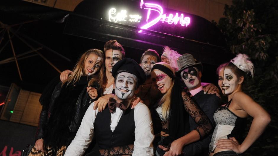 """Bars Club """"Call me Drella"""""""