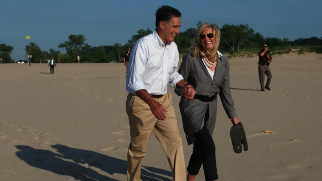 Mitt Romney Campaigns In Six Swing States On 'Every Town Counts' Bus Tour