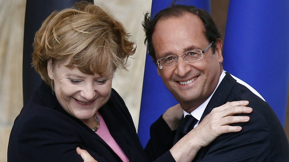 Germany, France pledge to 'do everything' to save euro