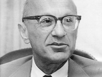 Milton Friedman, vor 1976