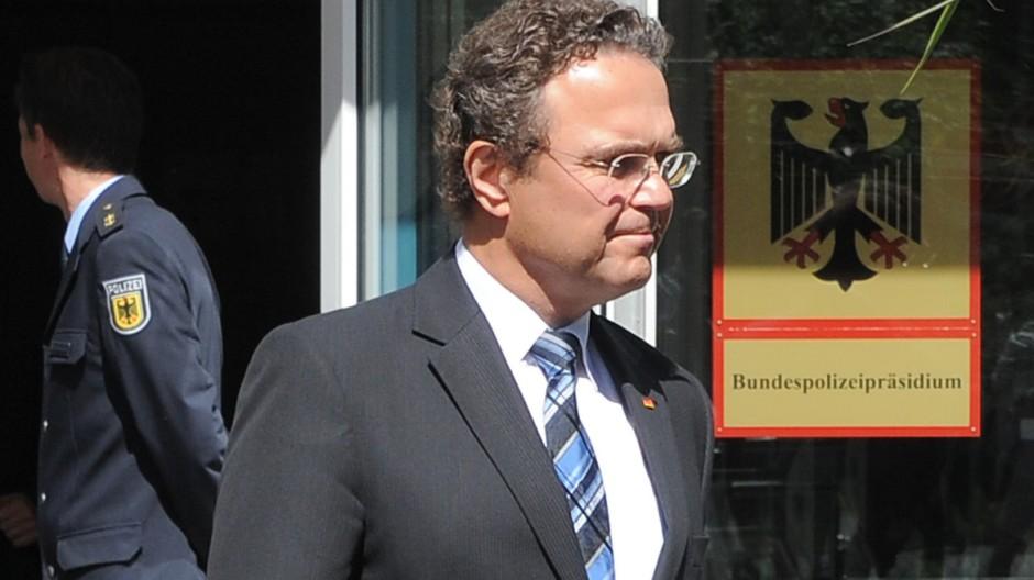 Hans-Peter Friedrich im Bundespolizeipräsidium