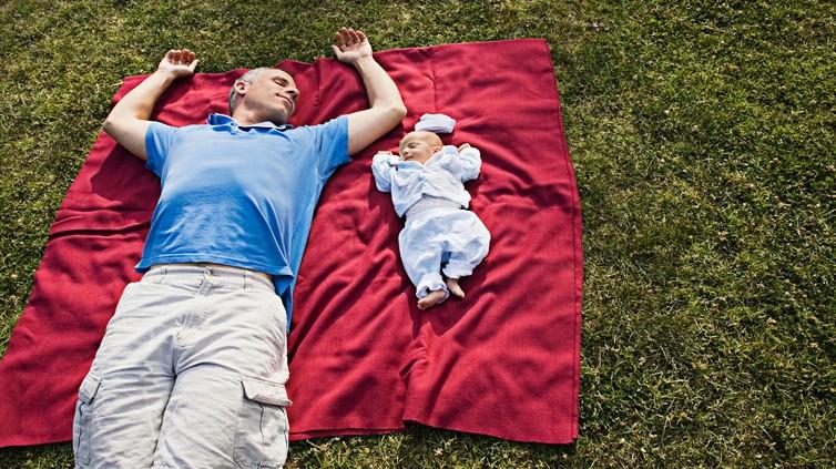 Immer mehr Väter nehmen sich eine Auszeit für ihre Kinder
