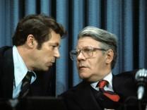 Ex-Regierungssprecher Bölling freut sich für Helmut Schmidt