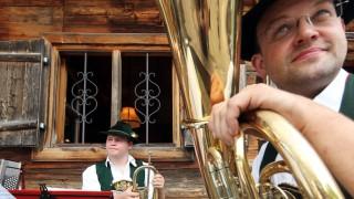 Bayerische Musikanten beim Waldfest in Rottach-Egern