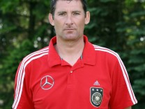 Früherer Fußball-Torwart Bernd Meier gestorben
