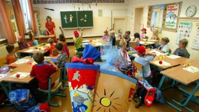 Gewerkschaft: Landesregierung hat 170 Lehrer zu wenig eingestellt