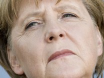 Merkel warnt vor Scheitern eines NPD-Verbotsverfahrens