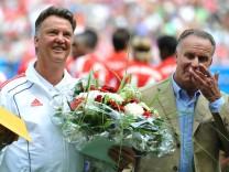Geburtstag: Riesentorte für van Gaal