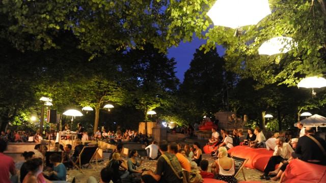 Kulturstand am Vater-Rhein Brunnen in München, 2012