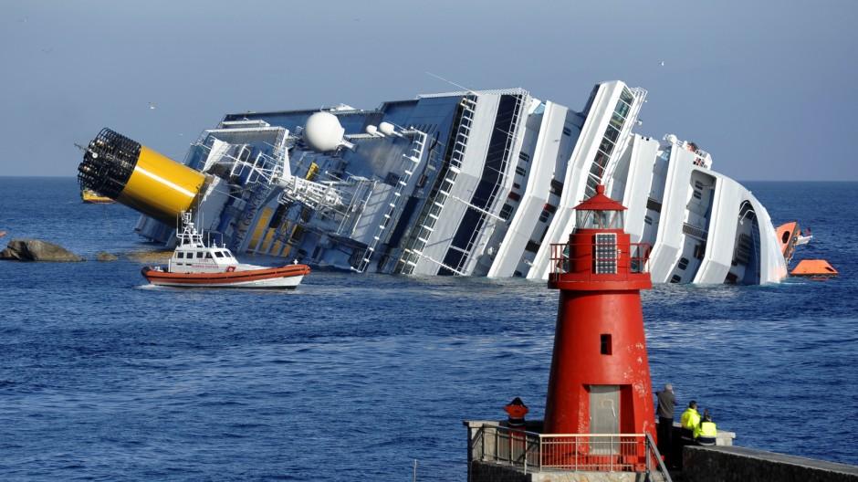 Bergung der havarierten 'Costa Concordia' verzoegert sich