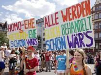 Streit um Homo-Ehen, Ehegattensplitting