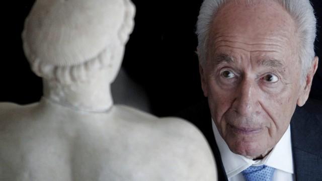 Israeli President Shimon Peres visits Greece