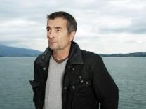 """Stefan Gubser alias Reto Flückiger im Tatort """"Hanglage mit Aussicht"""""""