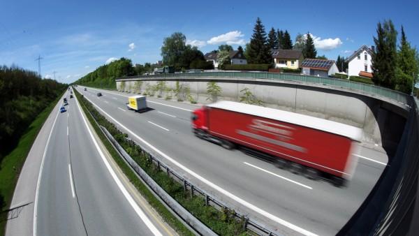 Germering: BAB Autobahn Richtung Lindau (bei Unterpfaffenhofen)