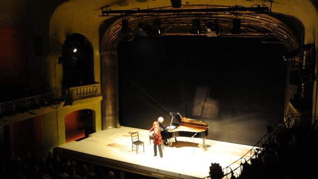 """Premiere des Stücks """"Hotel Savoy"""" in München, 2010"""