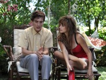 "Alessandro Tiberi und Penelope Cruz in ""To Rome With Love""."