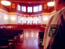 Gerichtssaal Leipzig _ Justiz Sachsen