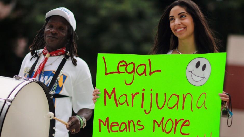 Florida Attorney General Candidate Leads Pro Marijuana Rally