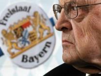 Muenchen: Wilfried SCHARNAGL / 'Bayern kannes auch allein'
